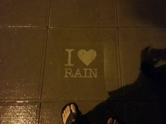 只要一招,让你爱上下雨的城市~_20
