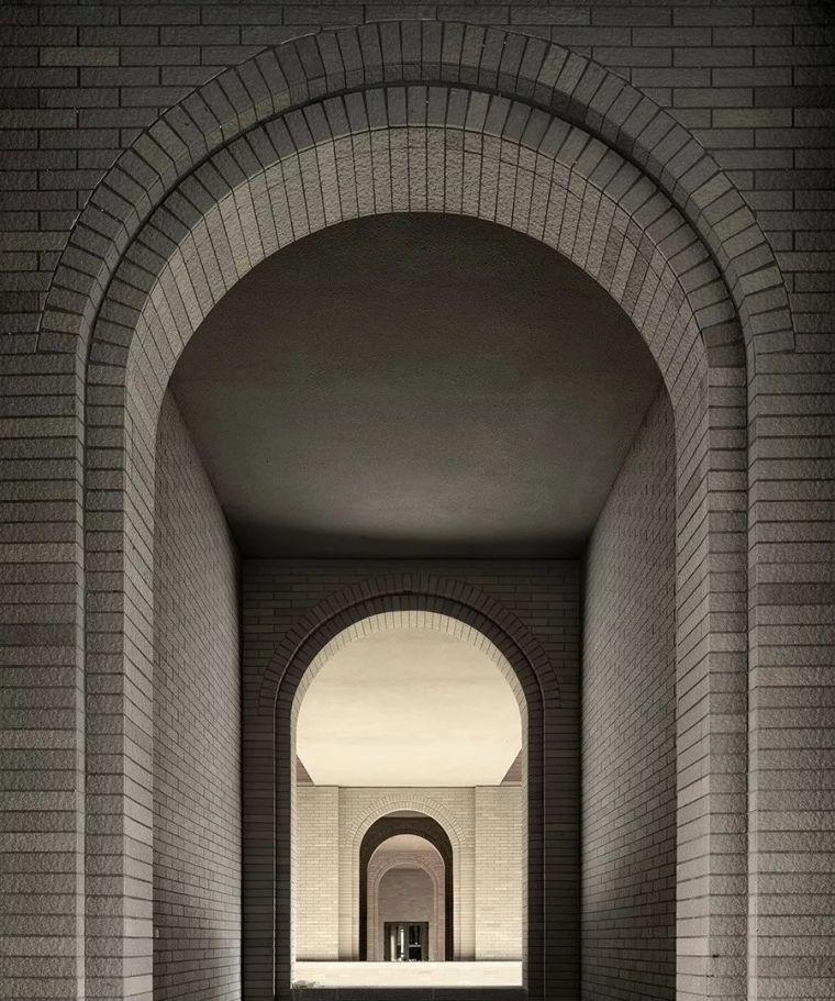 UAD•平衡建筑/灰砖梦与八角楼:大连理工大学管理与经济学部楼
