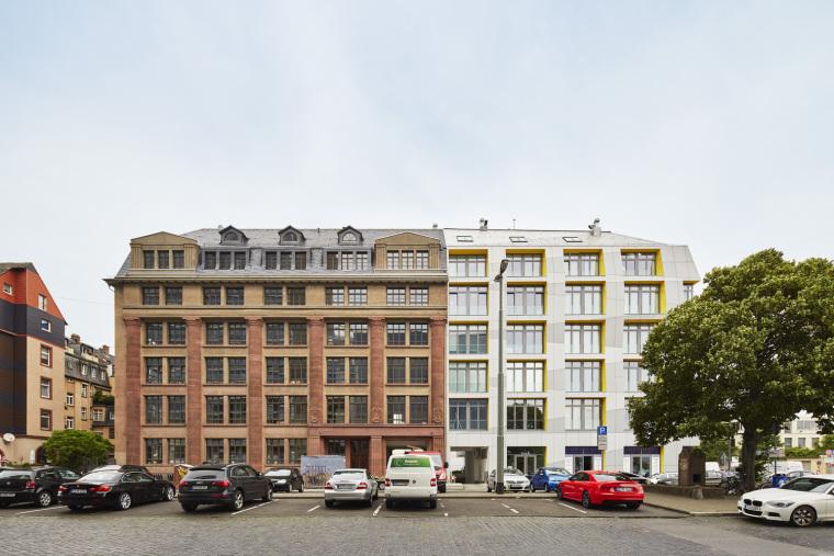 德国法兰克福东区复式公寓