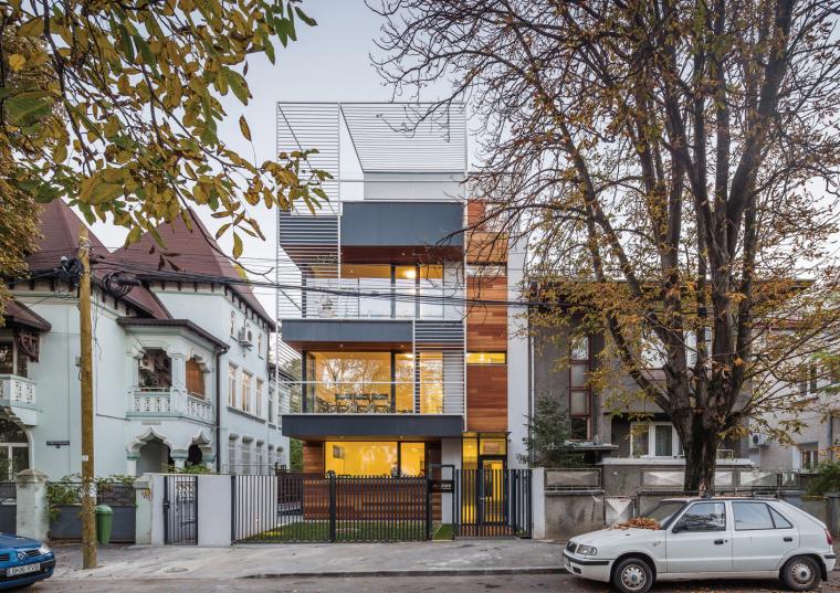 罗马尼亚布加勒斯特现代住宅