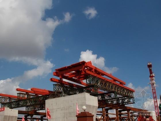 双塔悬索桥钢箱梁顶推施工方案(84页)