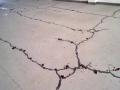 混凝土地面产生裂缝的原因分析及处理措施