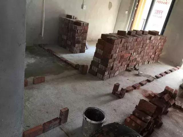 工人装修砌墙砌歪开裂照样拿钱?福州人看看这些规范别再当冤大头