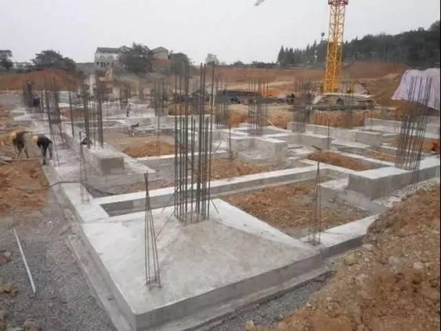 桩承台施工的工艺流程、基坑开挖、钢筋绑扎等技术问题_1