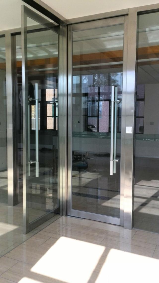 北辰区安装玻璃门安装玻璃门电话