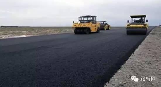 沥青混凝土路面施工中存在的问题及质量控制
