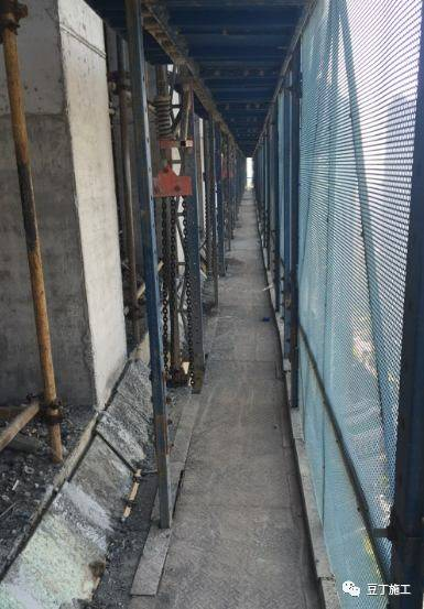 一种新型全钢式升降脚手架,在这里施工就像在室内施工一样_29