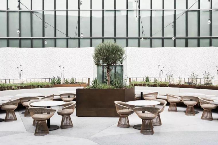 迪拜地标旁的2000平米超大餐厅,精致细节成就奢华设计_23