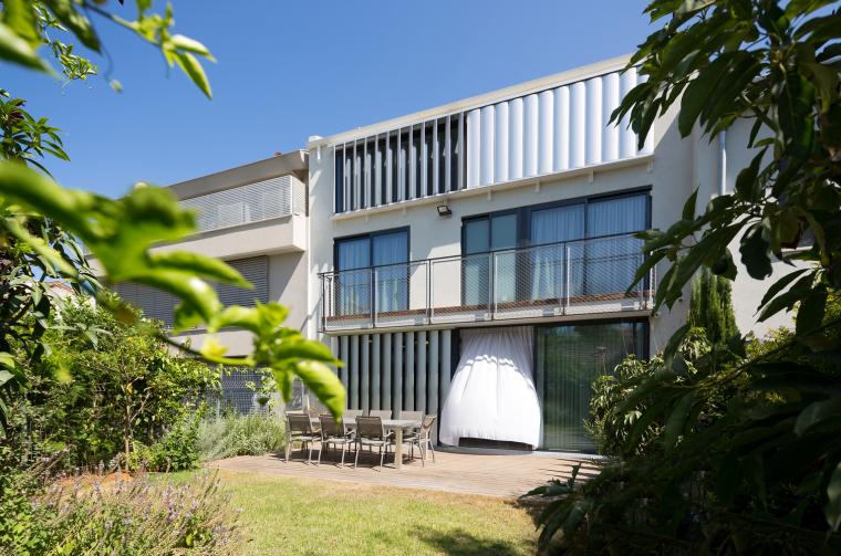 以色列低成本改造三层住宅