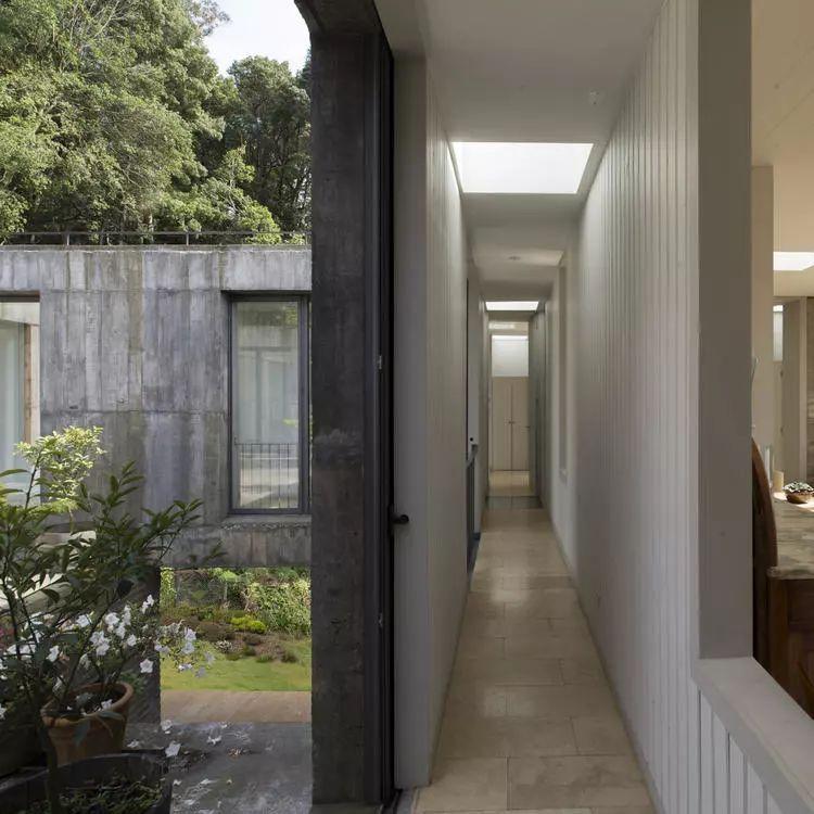 这个智利建筑事务所设计房子,几乎像是一场方形、圆形或其他元素_33