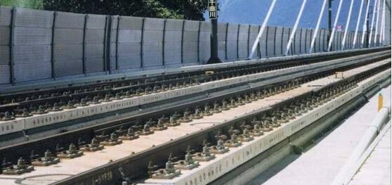 广州客运专线轨道下现浇混凝土基础施工技术