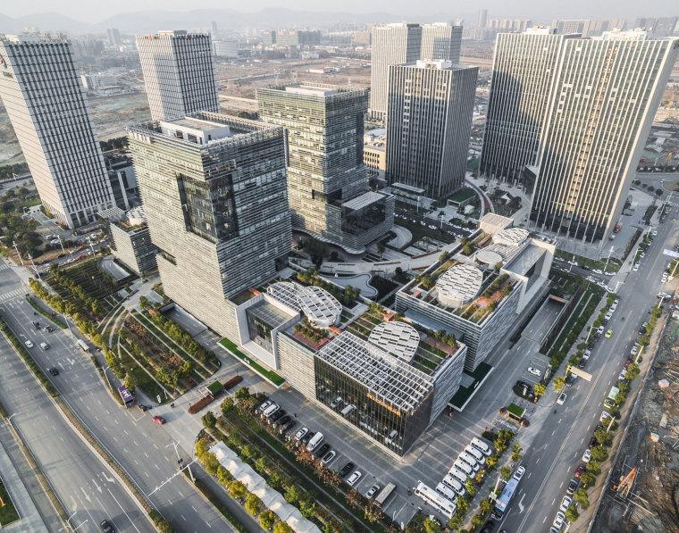 南京研创园孵鹰大厦,人性化设计办公社区