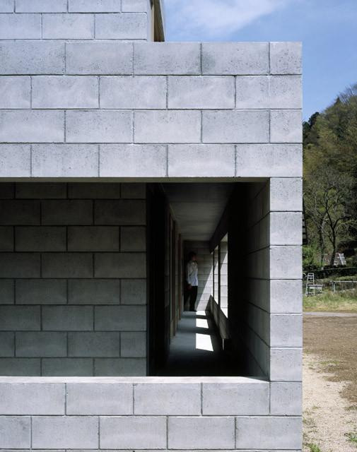 建筑中的混凝土块:如何使用这些低成本材料?_6
