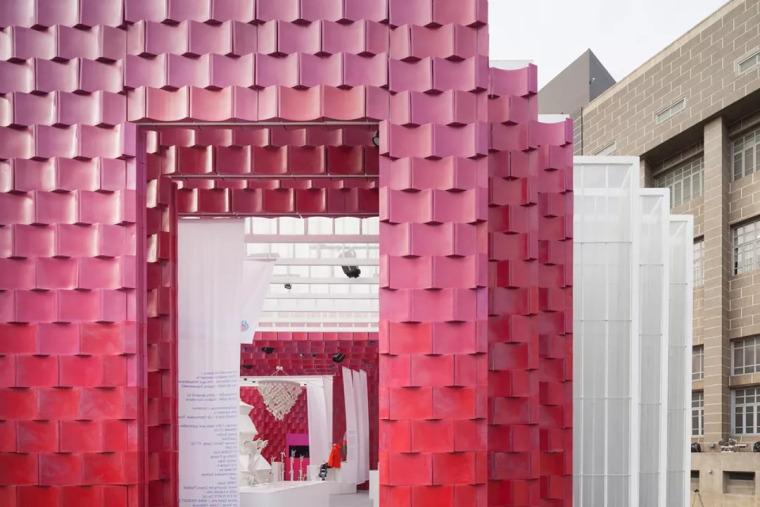 曼谷设计周展亭,再利用材料可变身包包和椅子/Cloud-floor_5
