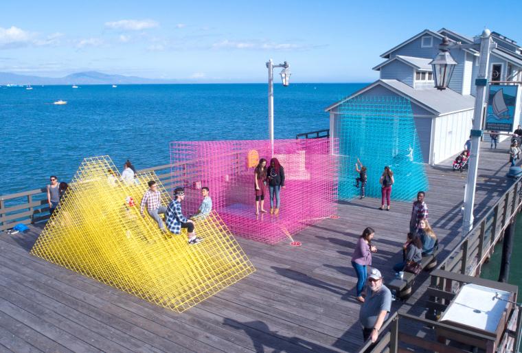 美国海边朦胧的装置艺术