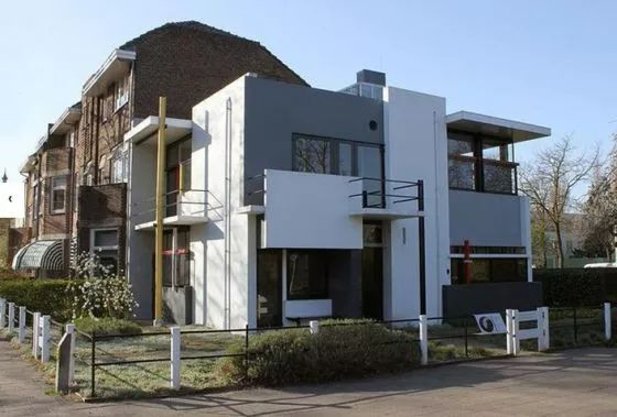 两层框架(商铺)托五层砖混(住宅)结构设计