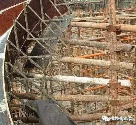 旋转楼梯木工支模方法_11