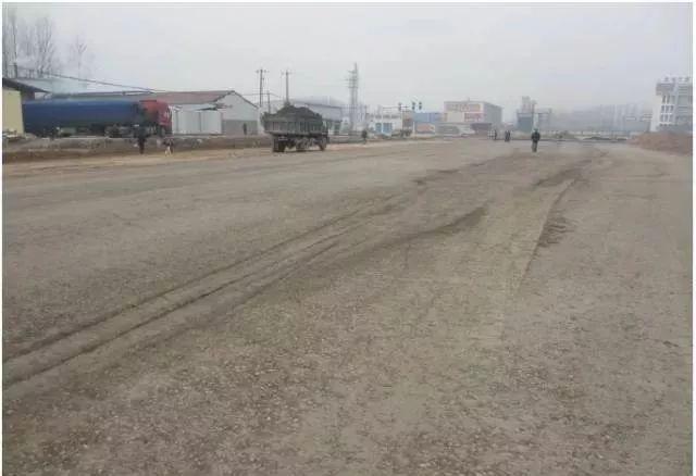 市政道路工程质量通病防治手册_17