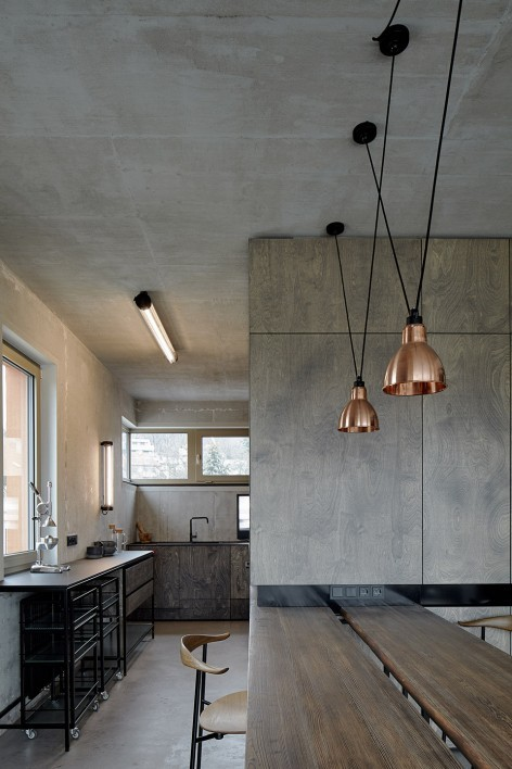 """""""非典型""""工业风-布拉格公寓设计_8"""