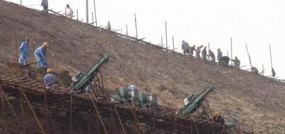 购物广场框架楼基坑土钉墙支护施工方案