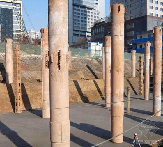超深逆做法钢柱施工图片(7张)