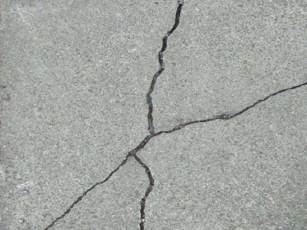 混凝土常见裂缝的成因与控制方法!