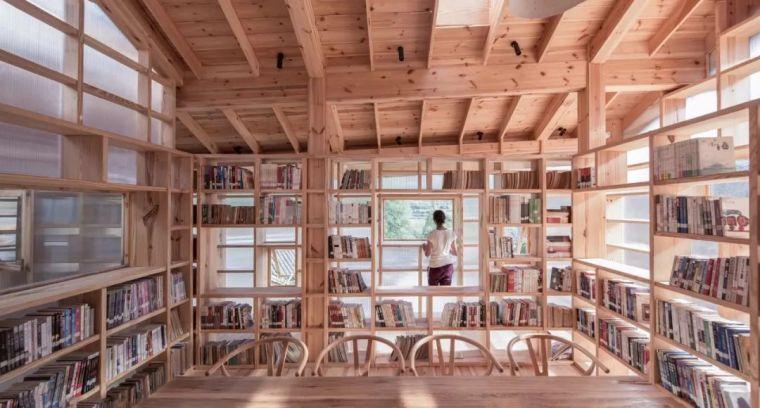 """他们在大山深处建造了一个""""悬浮""""书屋,凝聚起逐渐消逝的乡情_40"""