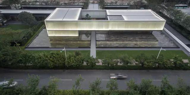 u型玻璃案例资料下载-玉映深湾 — 深圳湾超级总部基地城市展厅
