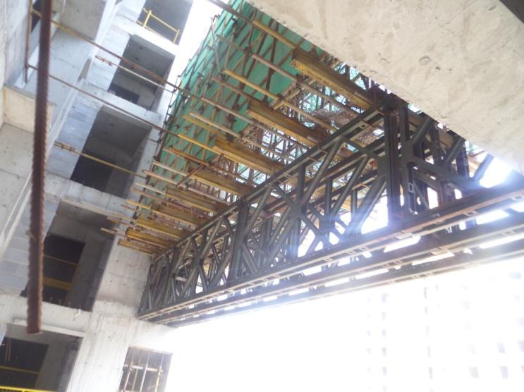 确保高空连廊工程施工安全