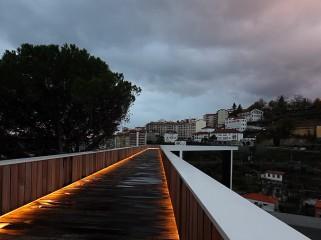 葡萄牙人行天桥