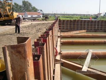 桥梁深水基础钢板桩围堰施工技术