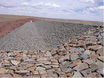 填石路基施工技术在公路桥梁施工中的应用