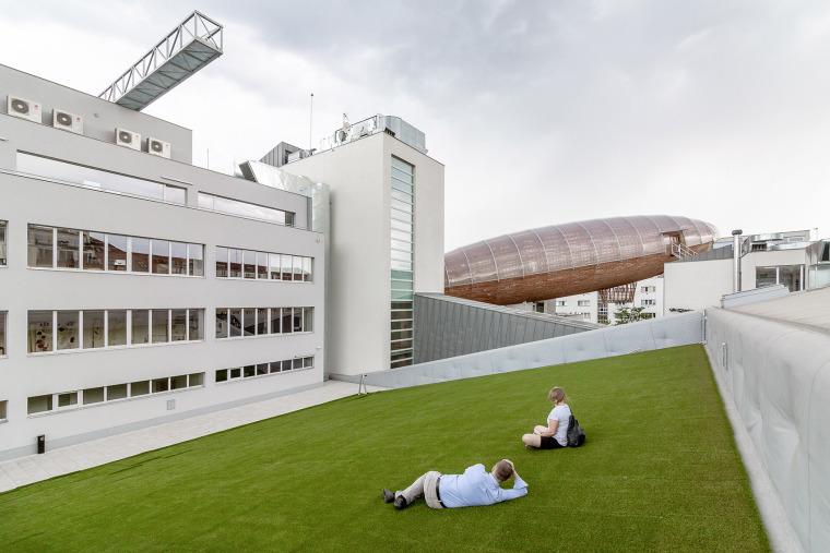 004-centre-for-contemporary-art-dox-by-petr-hajek-architekti