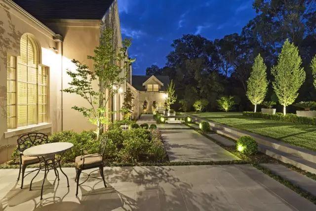 赶紧收藏!21个最美现代风格庭院设计案例_128