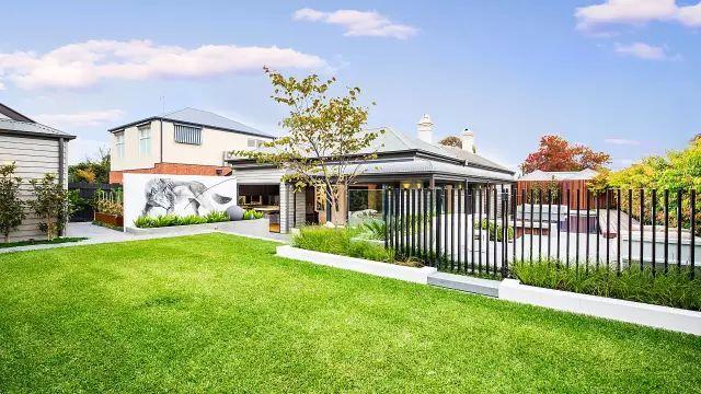赶紧收藏!21个最美现代风格庭院设计案例_20