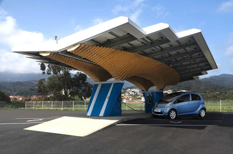 标致设计如城市景观的阳伞太阳能智能充电站网络
