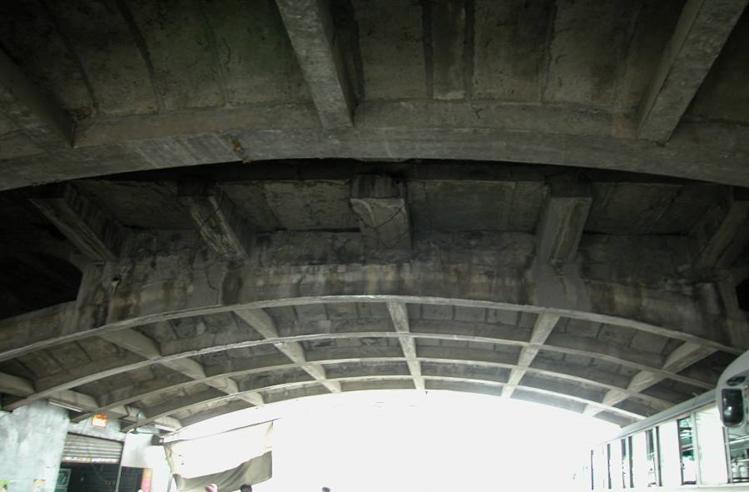公路旧桥加固成套技术研究