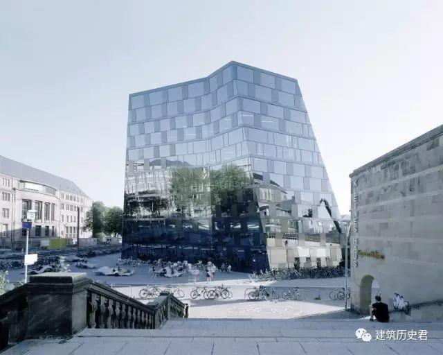 """从德国新古典主义风格建筑中""""被切割""""的现代建筑"""