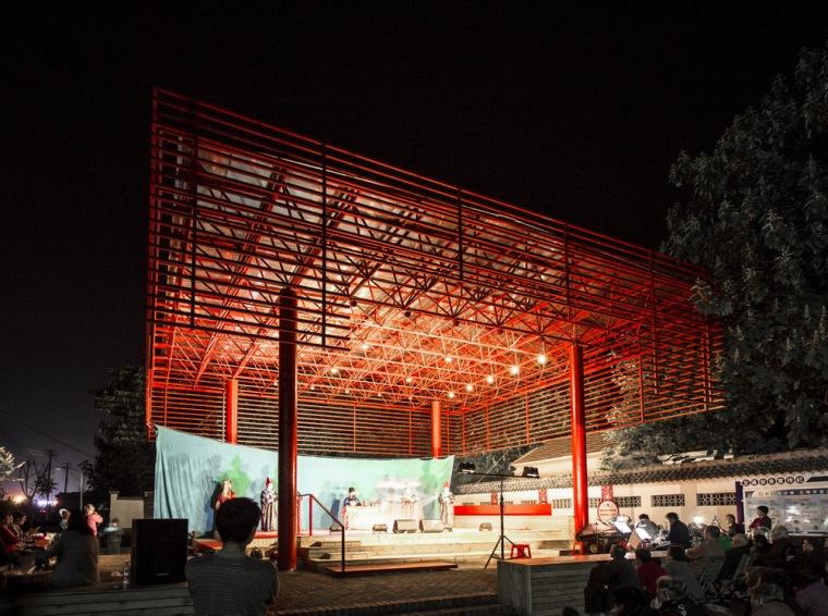 大红棚下的乡村起居,北河东村戏台