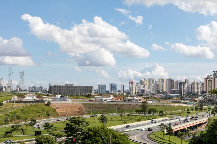 巴西安汉比莫隆比大学新建筑-2