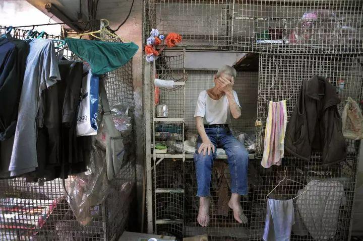 """没见过香港的""""棺材房""""你都不知道住得多幸福_26"""