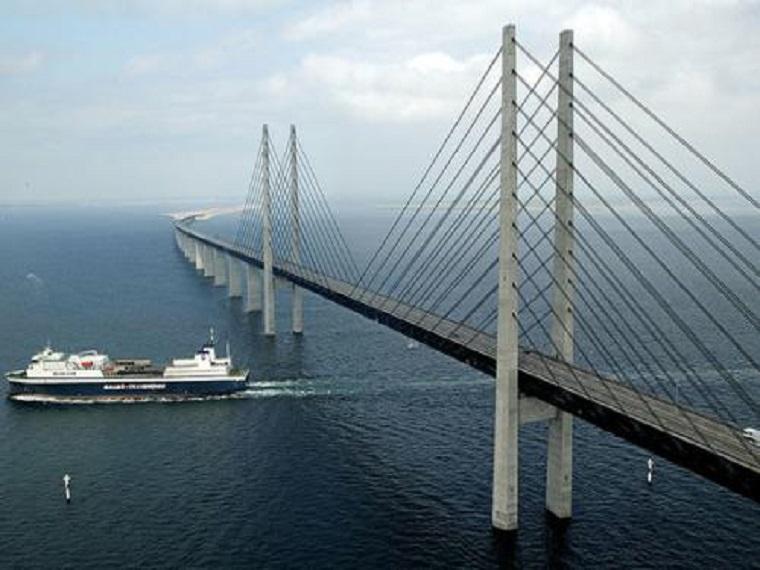 独塔双索面混合梁斜拉桥斜拉索安装施工方案