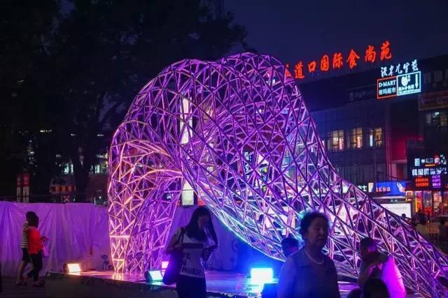一个单词产生的设计灵感,结果火了北京的商业广场~_63