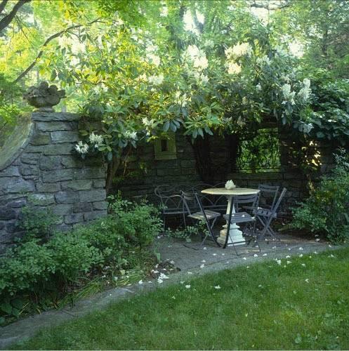 你真正需要的,也许只是一个小院,看繁花爬满篱笆_11
