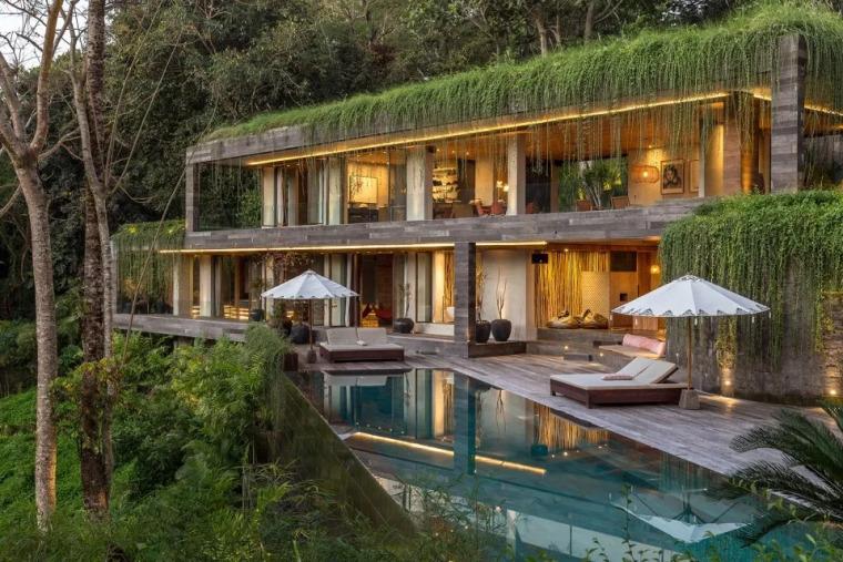 好漂亮,与周围环境及地形完美结合的奢华别墅!