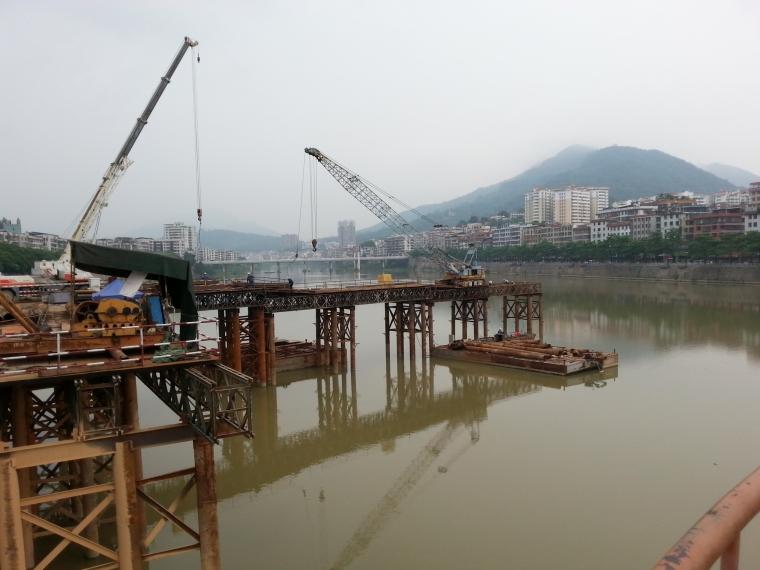 正在施工的桥_5