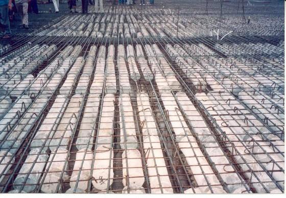 现浇空心无梁楼盖体在建筑施工中的应用