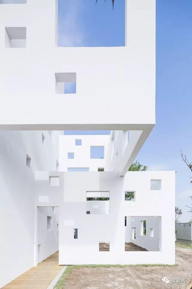 看看韩国的幼儿园—— 白色方块矩阵