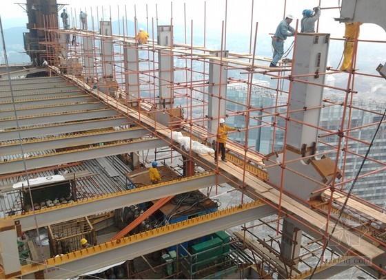 [论文]超大平面钢桁架高空散装安装工艺研究