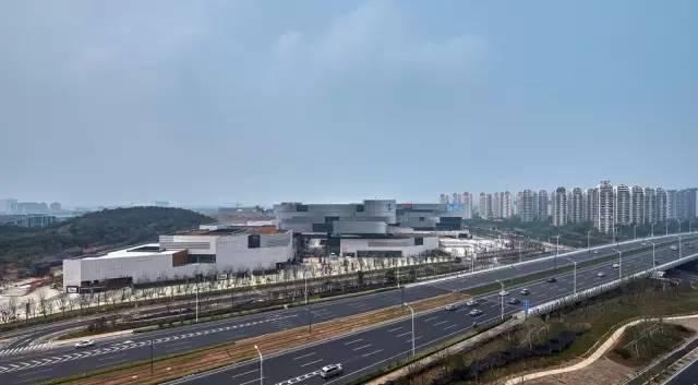 隐于都市的庞然大物,苏州高新区文体中心